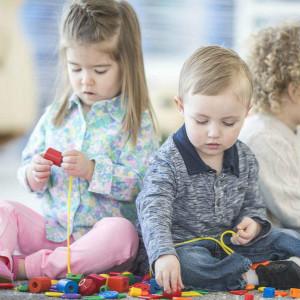 自闭症孩子精细动作训练:前二指训练