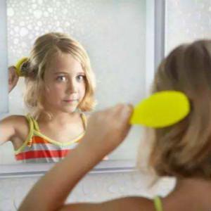 简单几招让自闭症孩子学会刷牙和梳头(生活自理训练)