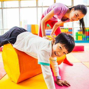 如何通过感统训练提高自闭症儿童的配合能力(三)