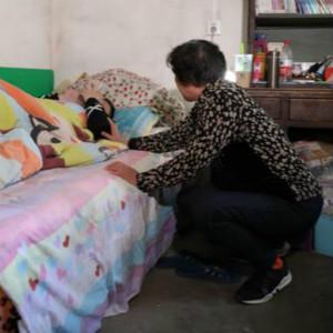 继子精神病,亲生儿子自闭症,老母亲的辛酸有谁知?(一)