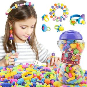 在日常生活中,对自闭症儿童进行手部精细动作训练