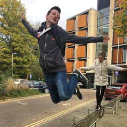 心痛:英国17岁高功能自闭症少年因担心未来卧轨自杀