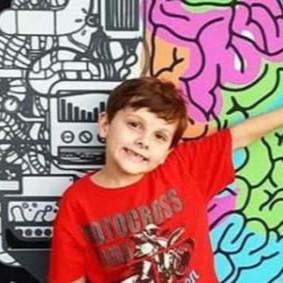 巴西自闭症天才儿童靠视频掌握七门语言