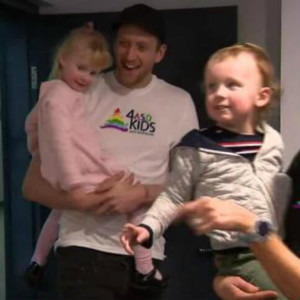 为帮助自闭症儿童,英格尔斯创办墨尔本首家感统训练室