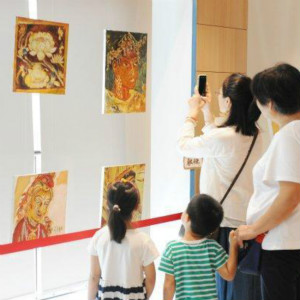 回到敦煌•杭州自闭症学生公益画展开展