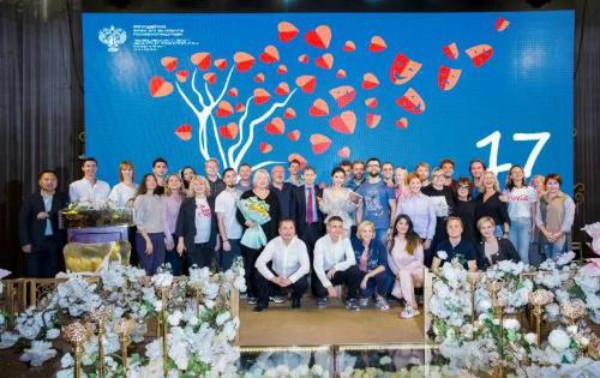 单亲自闭症家庭微电影《追寻》获得俄罗斯电影节新锐导演奖
