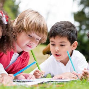 自闭症精细动作训练:写字和拼图