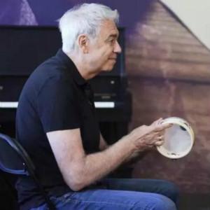意大利钢琴家Angelo molino为自闭症儿童进行音乐治疗(二)