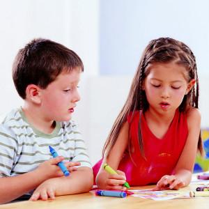 如何通过自闭症儿童的感觉引发共同注意