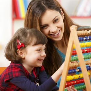 如何在生活自理训练中锻炼自闭症儿童的精细动作