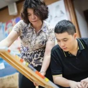 6岁还不会说话的自闭症男孩成了广州宣传大使(二)