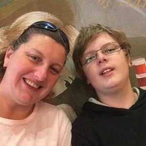 澳洲妈妈为自闭症儿子圆梦,收集钥匙环破吉尼斯纪录