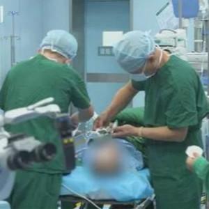 被误诊自闭症的4岁耳聋男孩接受国内首例工耳蜗植入