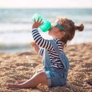 自闭症孩子喝水会弄到身上吗?(附训练案例)